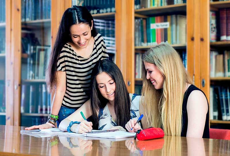 Colegio mayor femenino Anunciata Zaragoza