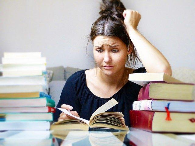 Financiación de estudios a través de becas, ayudas o créditos